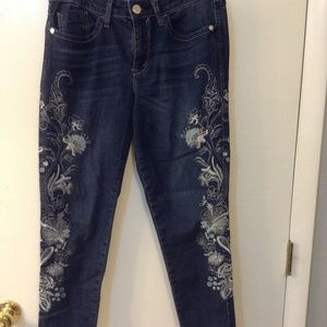 Seven7 sz 10 embroidered jeans